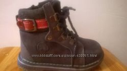 Продам новые детские зимние ботинки для мальчика.