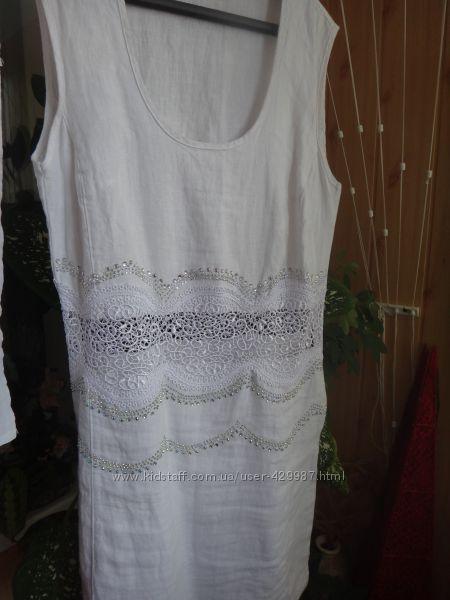 Платье льняное с кружевом и стразами