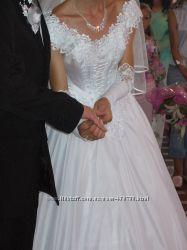 Продам свадебное платье размер 44-46