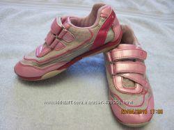 Легкие кроссовки Disney, р. 30, по стельке 19, 5 см