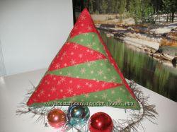 елка-декоративная подушка-пирамидка