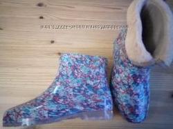 Красивые и качественные женские резиновые ботиночки. Со вставкой и без