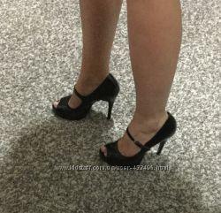 Туфли PIER LUCCI черные лакированные