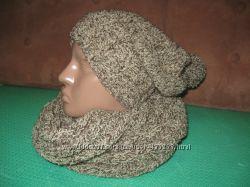 Теплый и стильный набор шарф-снуд и шапка с балабоном