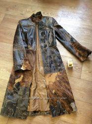 Шикарное фирменное кожаное пальто со вставками натурального гладкого меха