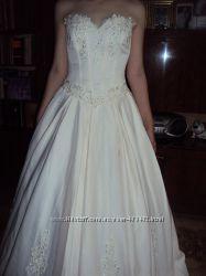 Свадебное платьебрызги шампанского