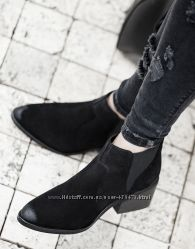Ботинки Bershka  натуральная замша