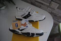 Новые кроссовки Chicco 32 размер