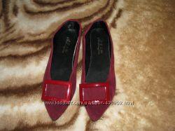 Новые симпатичные туфельки с пряжкой