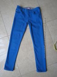 Яркие Скинни голубого цвета в отличном состоянии S-M