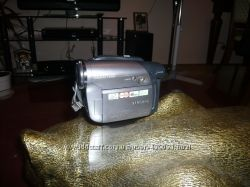 Видеокамера Samsung  VP-DC171W