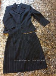 Деловой костюм  черный с тонкой полоской с Америки