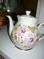 Фарфоровый советский чайник