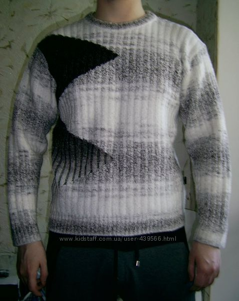Мужской тёплый свитер.