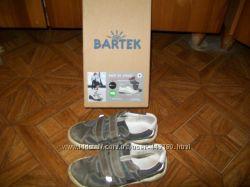 Кроссовки размер 29. для мальчика, фирмы Бартек