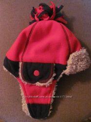 Фирменная теплая шапка
