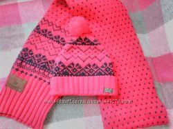 Продам шапку и шарф комплект