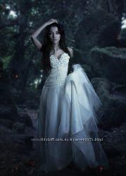 Свадебное платье от известного дизайнера