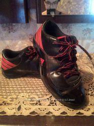 Кроссовки кожаные Adidas 39 р. оригинал