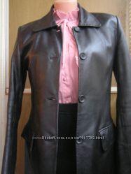 Куртка-пиджак из кожи размер М