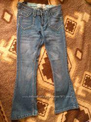 фирменные джинсики на девочку 8-10 лет