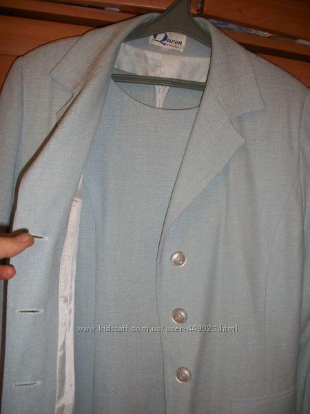 Костюм голубой платье - футляр, удлиненный пиджак на -46-50 цена снижена