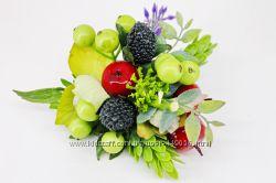 Заколки, резиночки, гребешки с цветами и ягодами