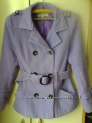 Продам сиреневое короткое пальто, размер М