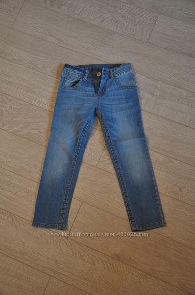 Стильные узенькие джинсы Mothercare новые 3-4 года