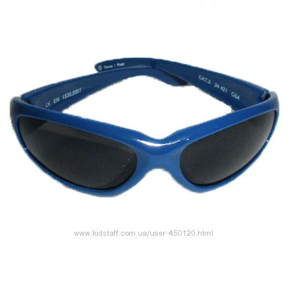 Фирменные солнцезащитные очки C&A  для самых маленьких