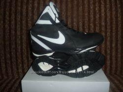 Продам мужские кожаные зимние кроссовки Nike.