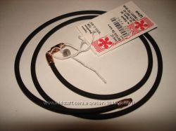 Шелковые и каучуковые шнуры с позолоченными замками. Серебро