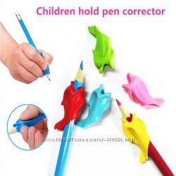 Насадка на карандаш ручку , дельфин