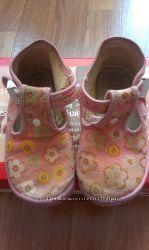 Тапочки для девочки ZETPOL и waldi
