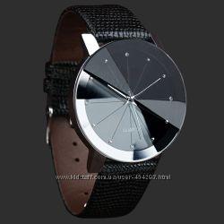 Женские кварцевые часы цвет черный