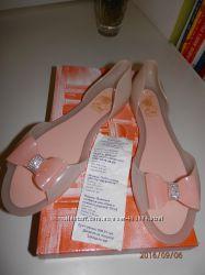 продам селиконовые босоножки цвет пудры