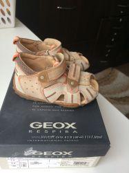 Geox босоножки 23 размер