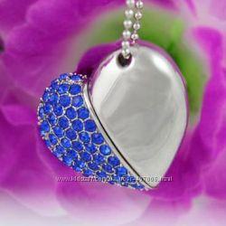 Ювелирная флешка 2 в 1 в виде сердца с синими стразами