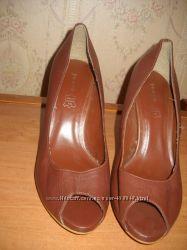 Босоножки, туфли фирмы ANDRE р. 38, 39, 40.