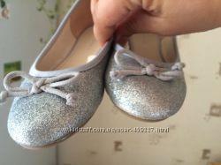 Нарядные туфли серебро  28 р C&D Германия