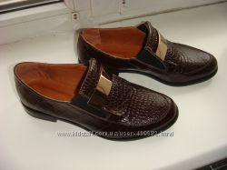 Стильные лоферы, кожа натуральная коричневая, под крокодила, в наличии