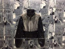 Лаковая куртка с мехом норки.