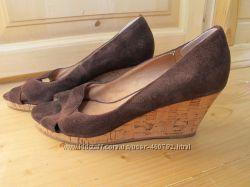 Отдам недорого обувь 36-36, 5 р, натуральная кожа, в хорошем состоянии