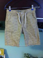 классные шорты- бриджи  на мальчика 146 см недорого