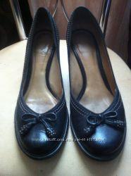 Шикарные туфли Clark&acutes  р. 38-38. 5 25 см, бу 1 раз.