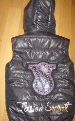 Женские жилетки на синтепоне.