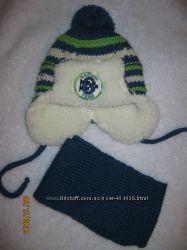 Теплая шапочка с шарфиком