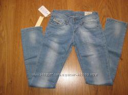 Женские джинсы Diesel, р. 28, 30, 32