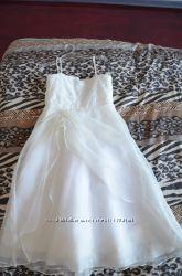 Нарядное, белое платье Carters
