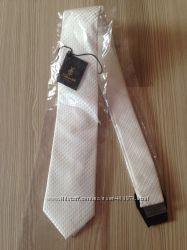 Розпродаж, великий вибір галстуків